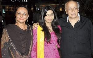 Shaheen Bhatt, Soni Razdan and Mahesh Bhatt