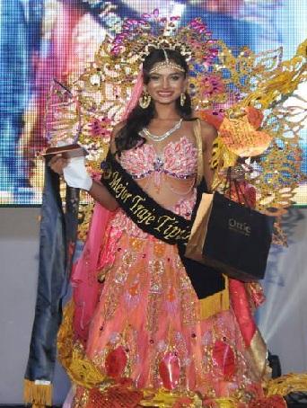 Sushrii Shreya Mishraa National Costume