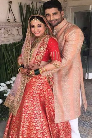 urmila matondkar and mohsin akhtar mir wedding pictures