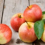 An Apple a Day Not Only Keeps Doctor Away but also Reduces Risk of Death by 35 Percent