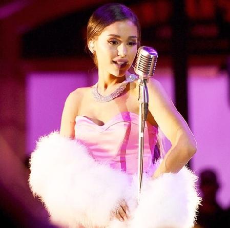 Ariana Grande's MTV Movie Awards 2016 Performance