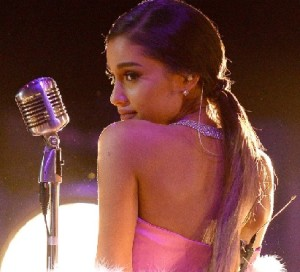 Ariana Grande Performs 'Dangerous Woman'