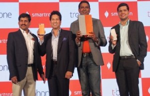 Sachin Tendulkar Launched Smartron's New `tPhone'