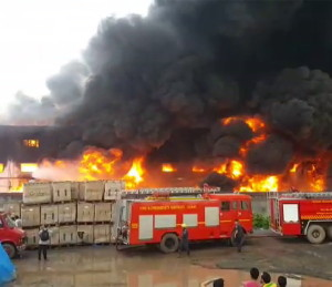 photos of Textile factory Fire at Hariyal village of Kim, Surat