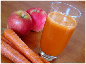 Apple Carrot juice with Almonds and Walnuts